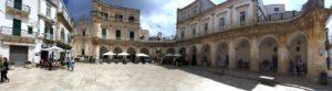 centro storico Martina Franca, met terrasjes aan een groot plein