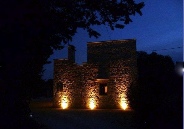 verlichte gevel stonehouse