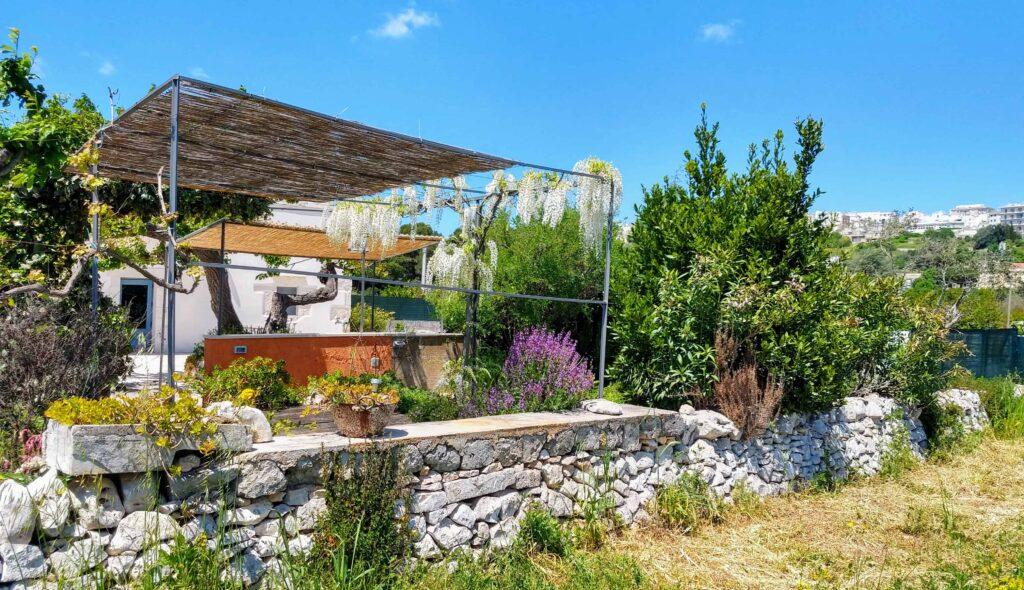 Appartement Flora kan gebruik maken van het bloemen terras met panoramisch uitzicht