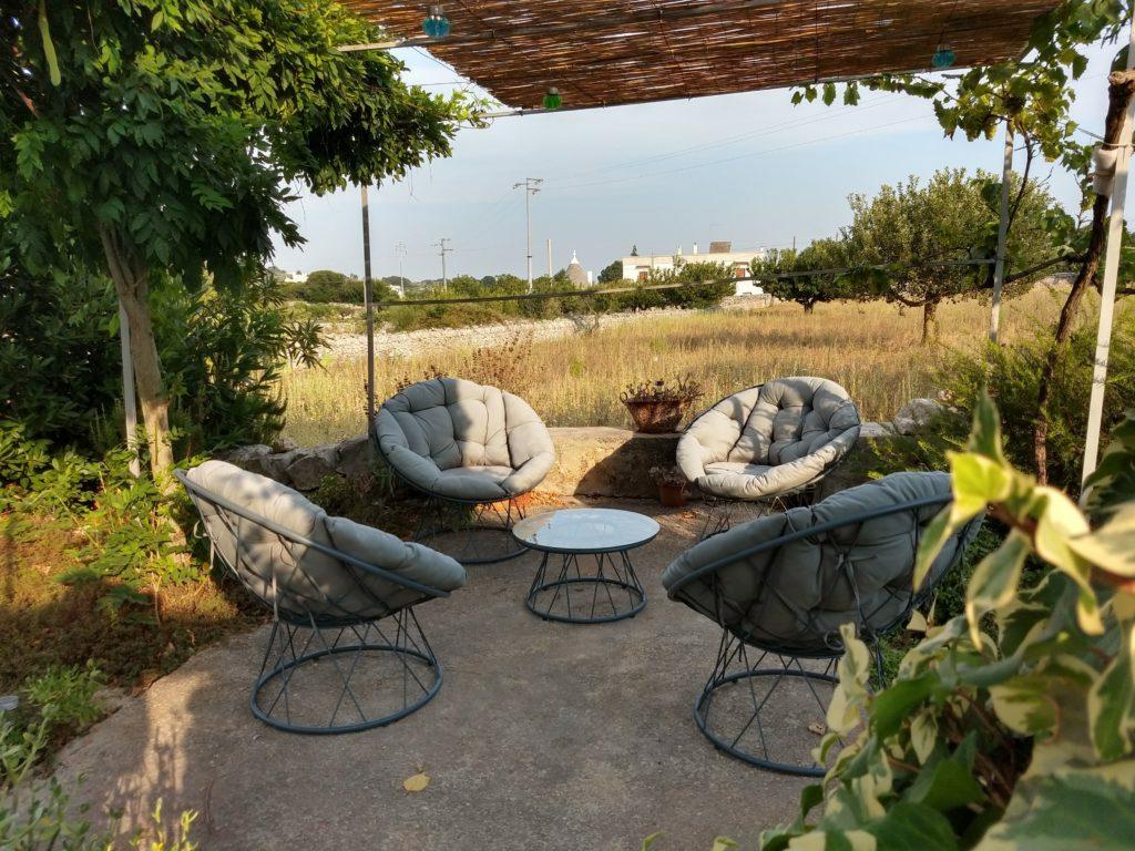 terras aan de olijfboomgaard