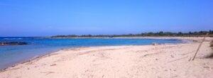 strand van torre guaceto met wit zand